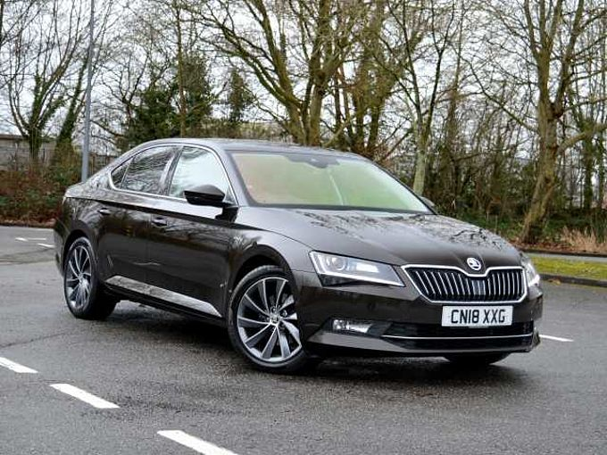 SKODA Superb Superb Hatch L&K 2.0 TDI 190 PS 4x4 DSG